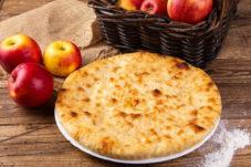 Традиционный осетинский пирог «Фаткуыджын» с яблоком